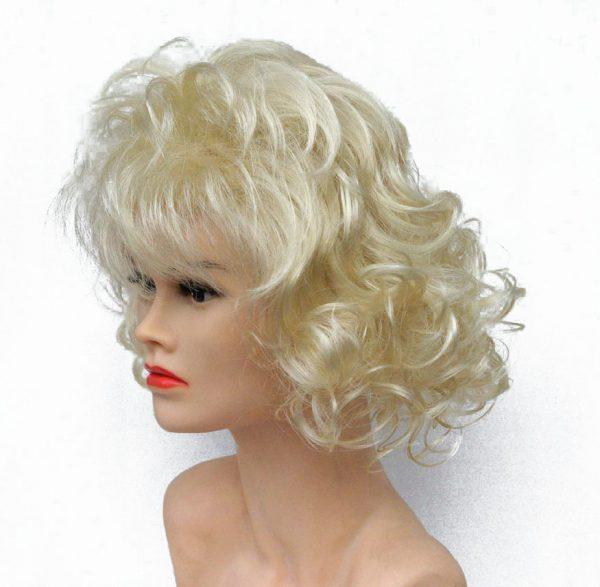lasulja kratka blond skodrana